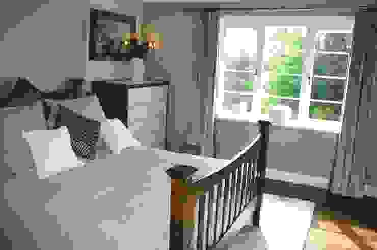 Guest Bedroom Dormitorios de estilo moderno de Maggie Walton-Swan Interior Design Ltd Moderno
