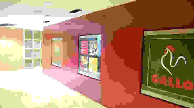 Panel entrada: Oficinas y Tiendas de estilo  de Gramil Interiorismo II - Decoradores y diseñadores de interiores ,