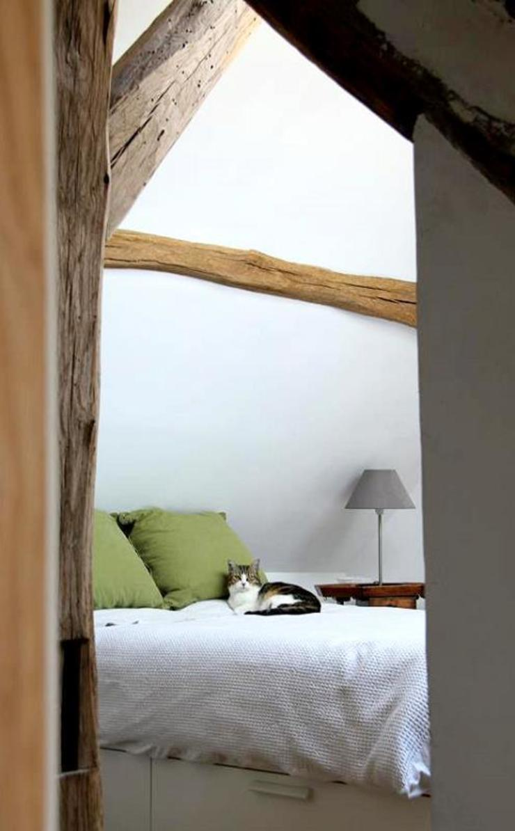 Cuartos de estilo moderno de Atelier d'Ersu & Blanco Moderno