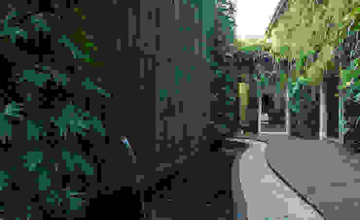 Área do lago - Depois por Quadro Vivo Urban Garden Roof & Vertical Campestre