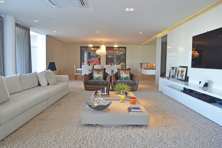 Living room by Larissa Maffra, Minimalist