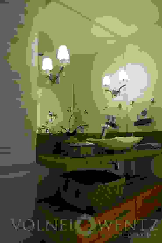 A15 Residência Banheiros ecléticos por Canisio Beeck Arquiteto Eclético