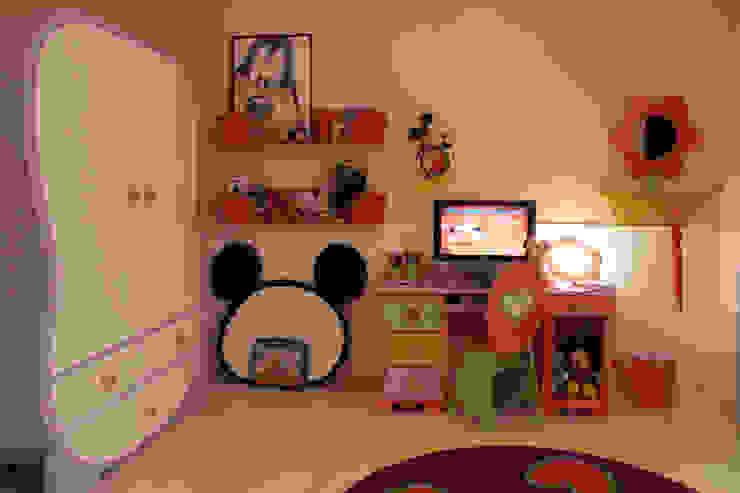 A15 Residência Quarto infantil eclético por Canisio Beeck Arquiteto Eclético