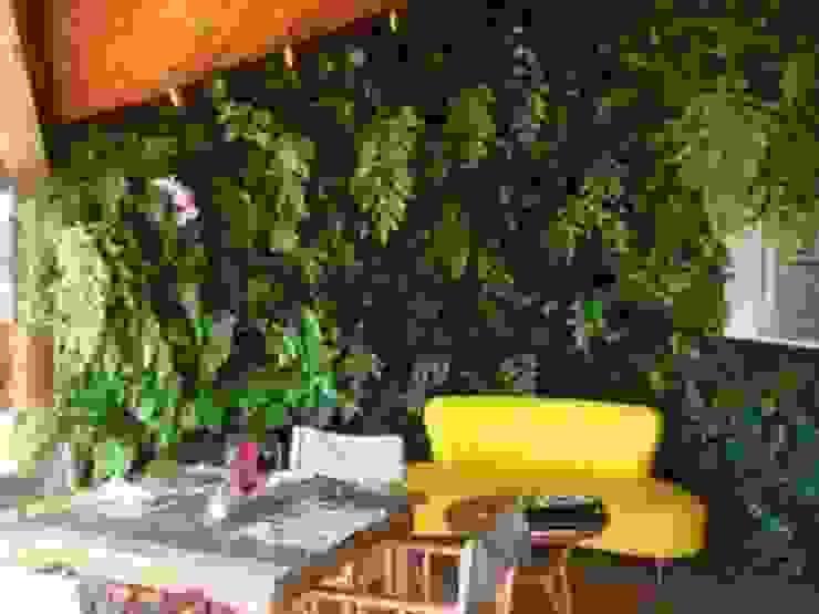 Quadro Vivo Urban Garden Roof & Vertical Hotel Tropis