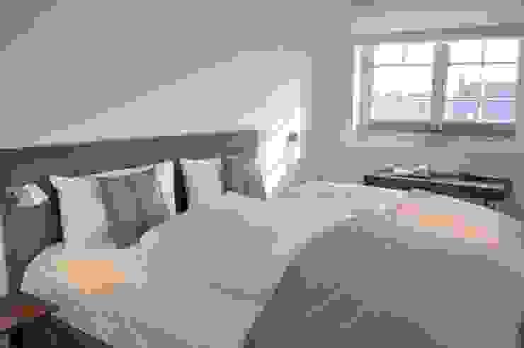 HAUS AUF SYLT Moderne Schlafzimmer von SALLIER WOHNEN HAMBURG Modern