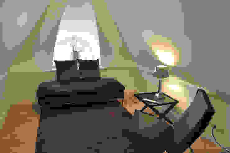 HAUS AUF SYLT Schlafzimmer im Landhausstil von SALLIER WOHNEN HAMBURG Landhaus
