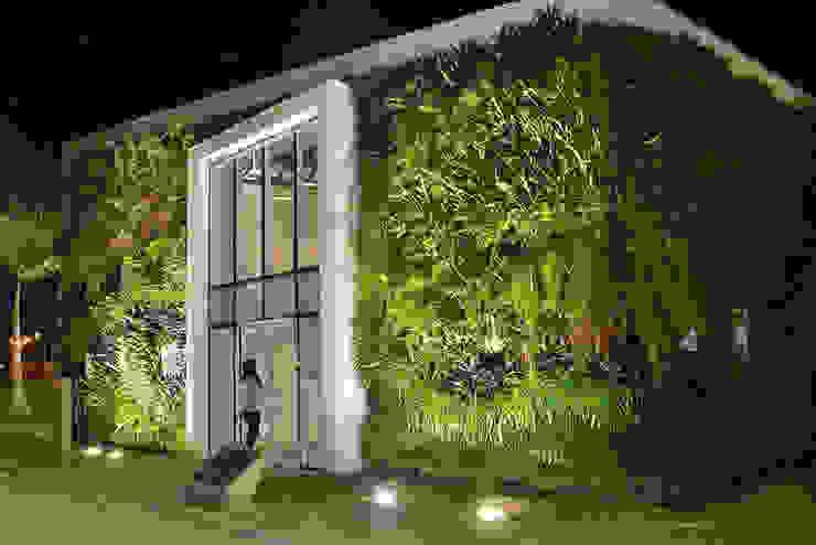 Quadro Vivo Urban Garden Roof & Vertical Pusat Eksibisi Minimalis