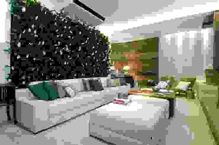 Quadro Vivo Urban Garden Roof & Vertical Ruang Keluarga Klasik