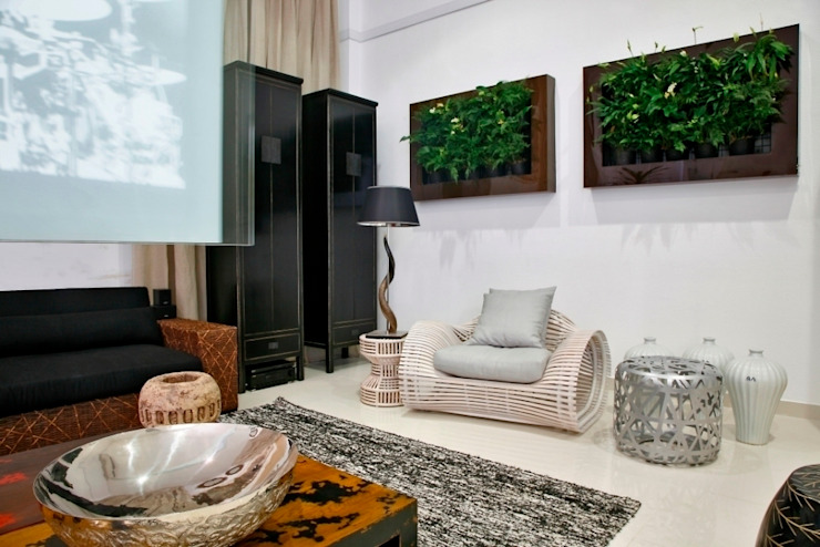 Quadro Vivo Urban Garden Roof & Vertical Ruang Media Modern