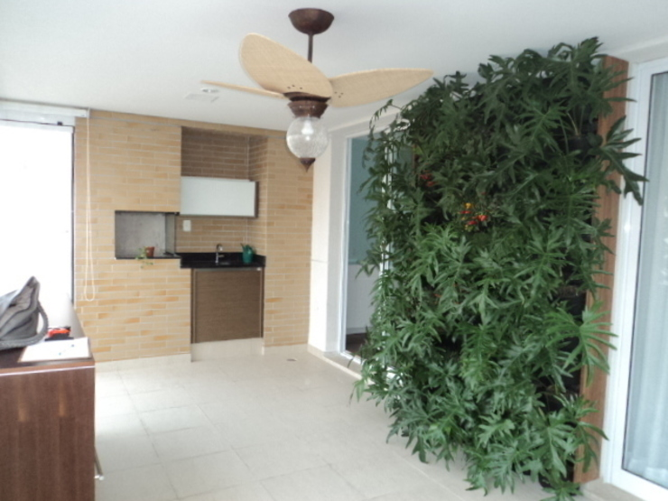 Quadro Vivo Urban Garden Roof & Vertical Dapur Gaya Rustic