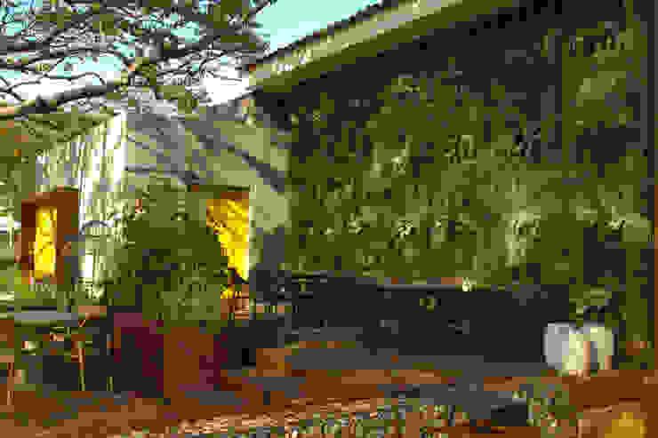 Quadro Vivo Urban Garden Roof & Vertical Event Venue Gaya Rustic