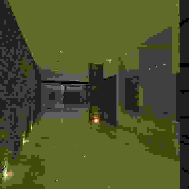 casa # 495 Pasillos, vestíbulos y escaleras modernos de Taller R arquitectura Moderno