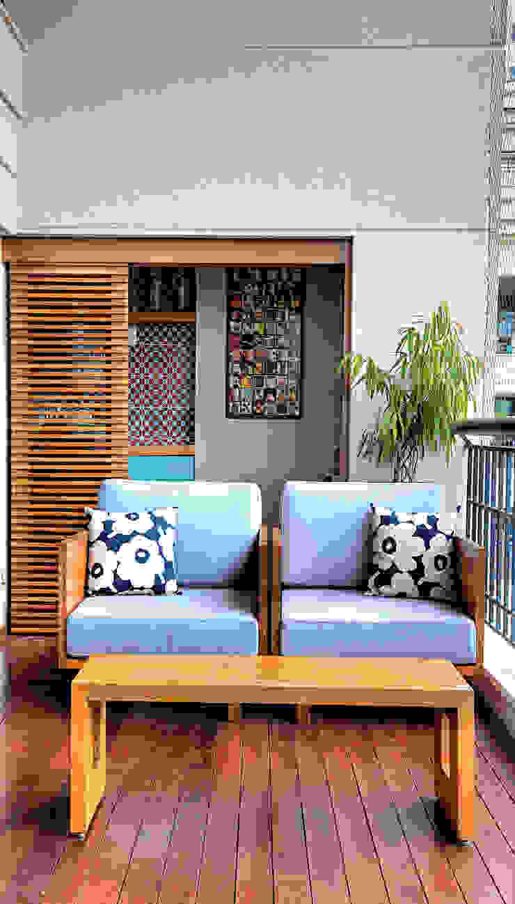 Triplex Alto de Pinheiros Varandas, alpendres e terraços modernos por studio scatena arquitetura Moderno