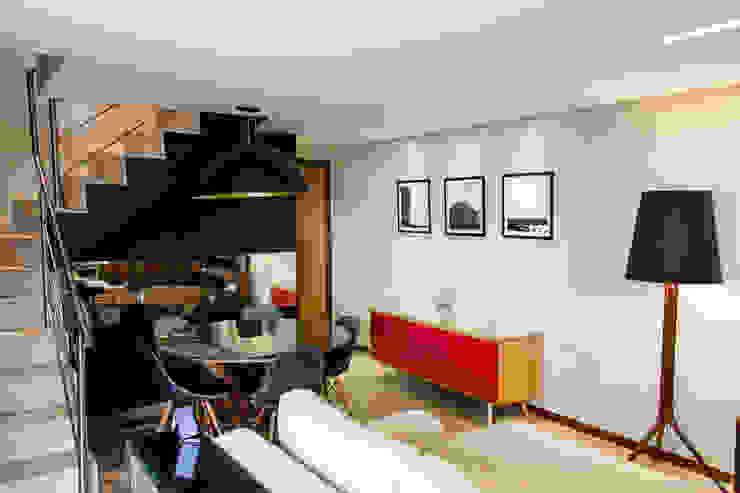 Duplex ME Salas de jantar modernas por homify Moderno