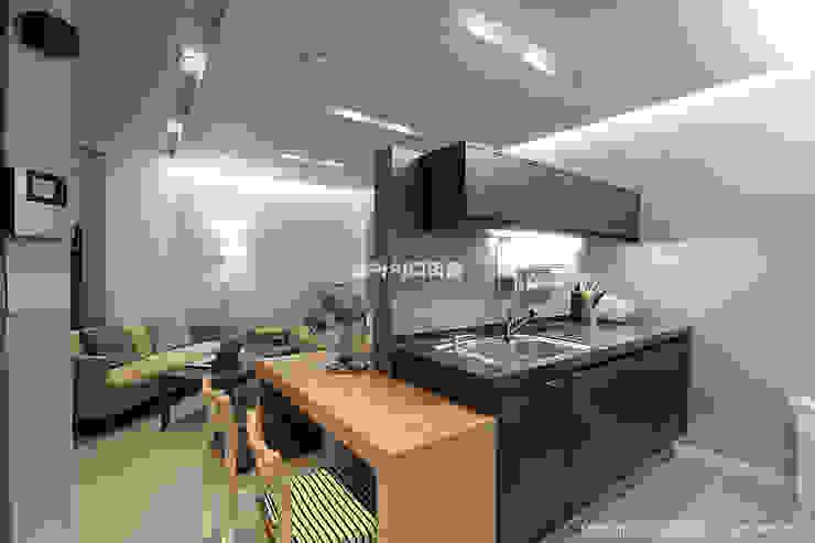 영등포구 당산동 19평형 원룸형 아파트: MID 먹줄의  주방,모던