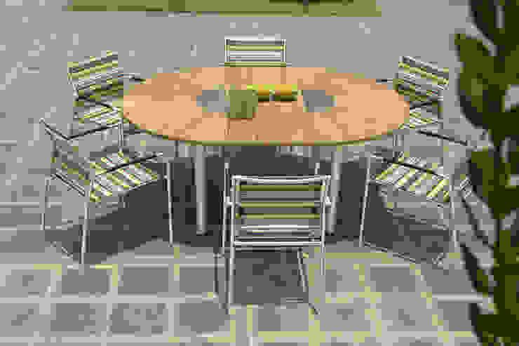 Tisch Catax mit Stuhl Rovex Stripe von ZEBRA: modern  von ZEBRA,Modern