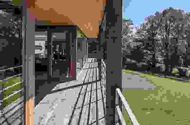 Modern conservatory by Pavillonchamps Atelier d'Architecture Modern