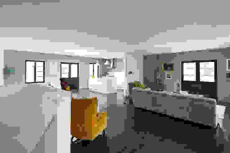 St Johns Avenue Flower Michelin Modern Living Room