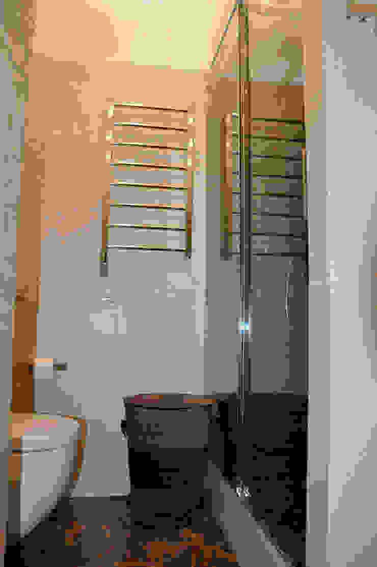 КВАРТИРА ДЛЯ РОДИТЕЛЕЙ Ванная в классическом стиле от студия дизайна архитектурной среды 'S-KVADRAT' Классический