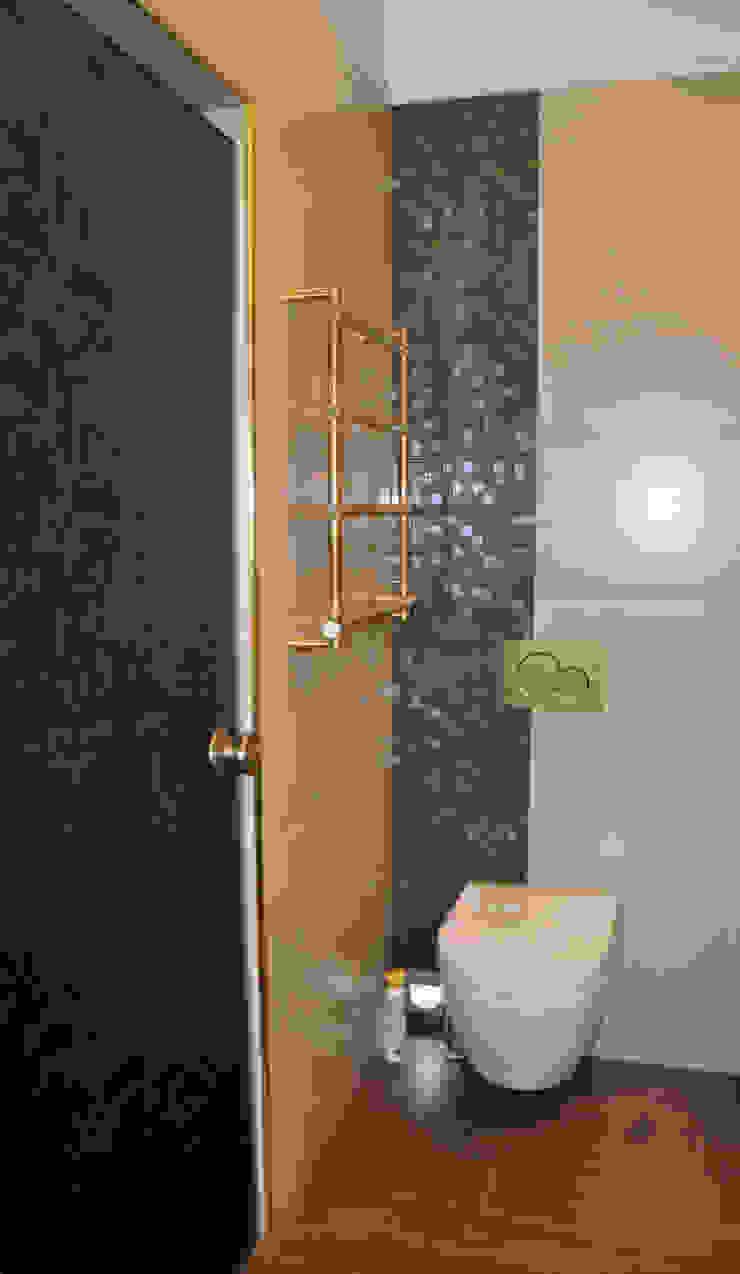 КРЕМ-БРЮЛЕ <q>ПО-КЛАССИЧЕСКИ</q> Ванная комната в эклектичном стиле от студия дизайна архитектурной среды 'S-KVADRAT' Эклектичный