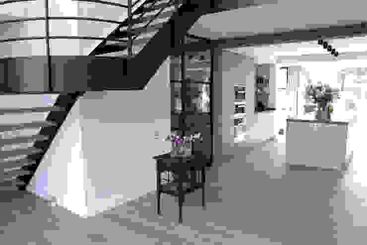 Paredes y pisos de estilo moderno de Zilva Vloeren Moderno