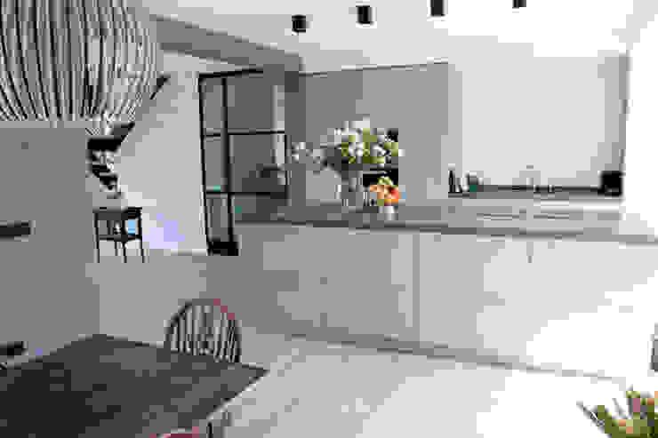 Cocinas de estilo moderno de Zilva Vloeren Moderno