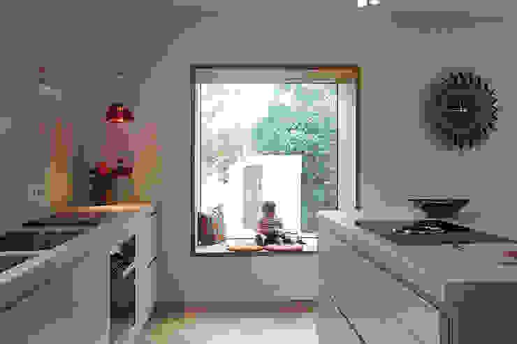 Haus N Moderne Küchen von marcbetz architektur Modern