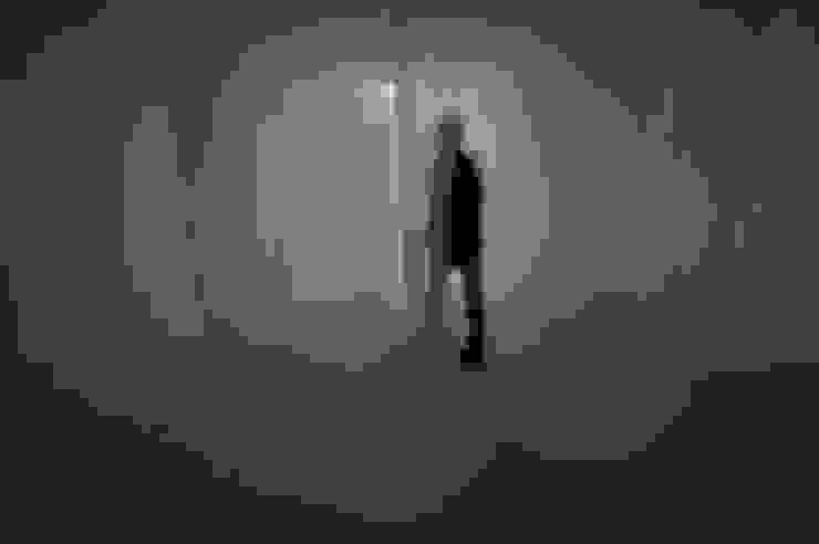 Non-REM(rapid eye movement)-sleep_비닐, 천, 이명Sound_가변설치 2013: Haing-studio의 현대 ,모던
