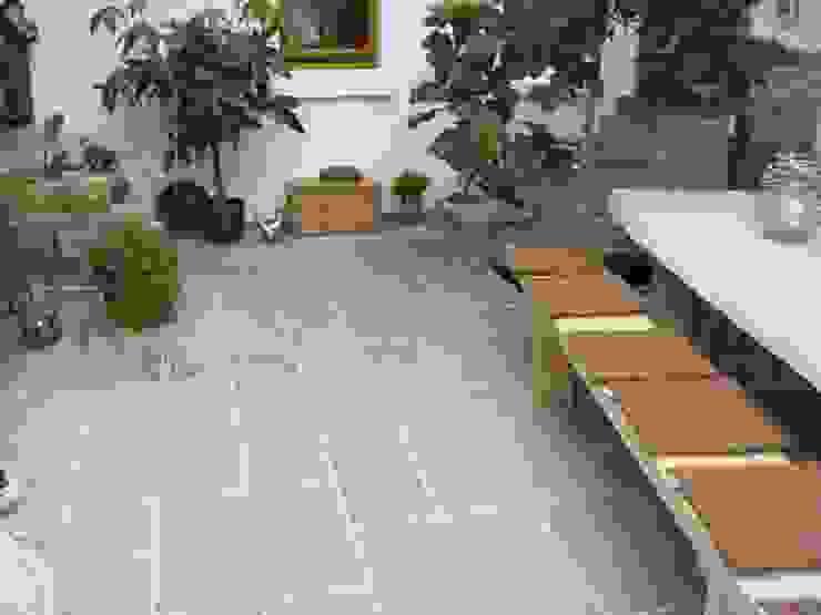 Sandstein Terrassenplatten Alois Wilken GmbH Mediterraner Balkon, Veranda & Terrasse