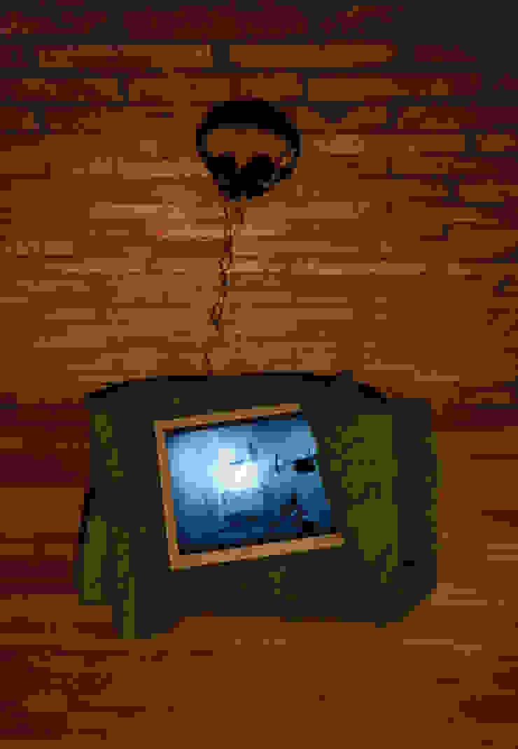 "Modern times_ 모니터, 내 이불, 단채널비디오 6"" 38'_가변설치 2012: Haing-studio의 현대 ,모던"