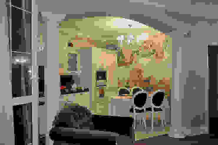 КВАРТИРА В ФИАЛКОВЫХ ТОНАХ Кухня в классическом стиле от студия дизайна архитектурной среды 'S-KVADRAT' Классический