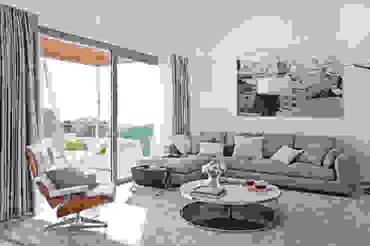 Дом в Сагаро, Испания. Гостиная. IND Archdesign. Гостиная в средиземноморском стиле от IND Archdesign Средиземноморский