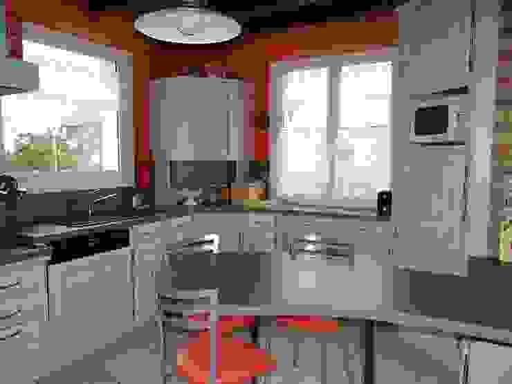 modern  by les cuisines de claudine, Modern