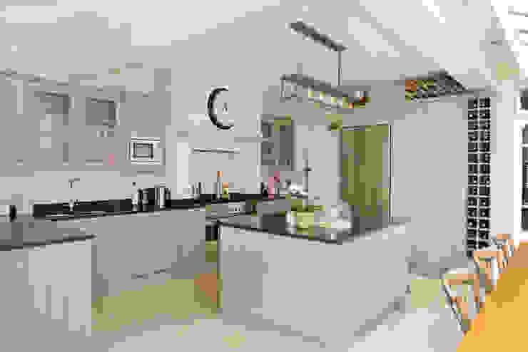 Kitchen Ruth Noble Interiors Cucina in stile classico