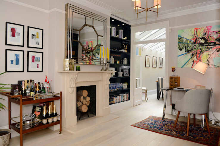 Living Room من Ruth Noble Interiors كلاسيكي