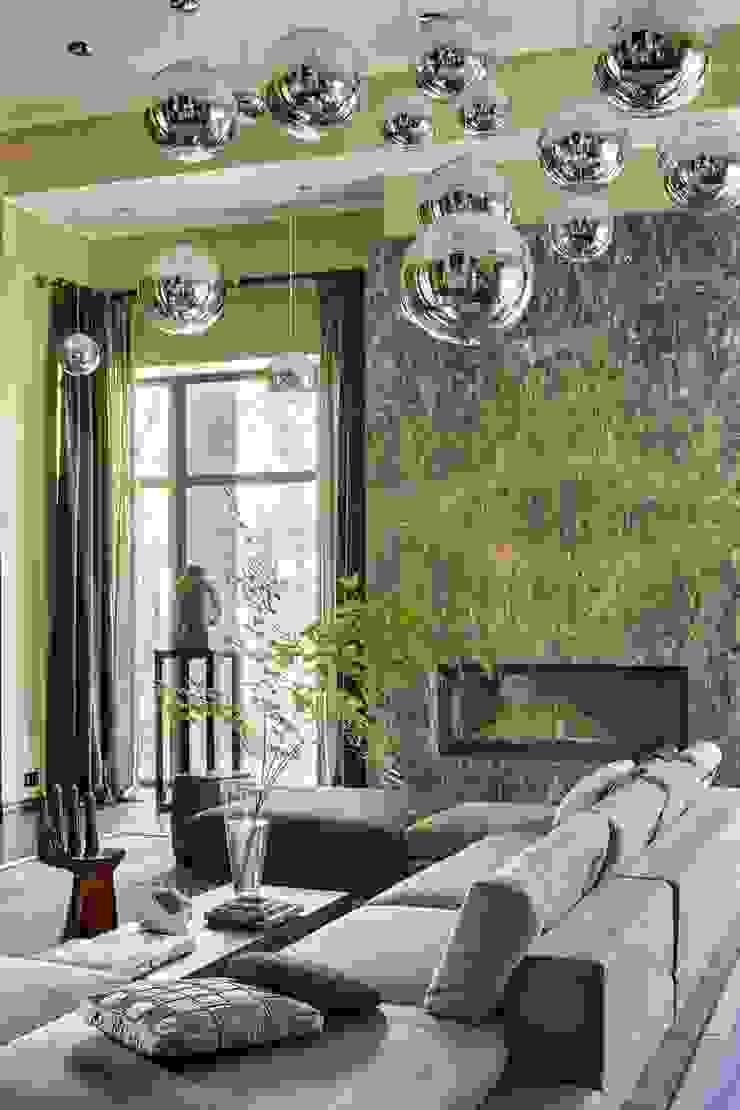 Дом в Подмосковье Гостиные в эклектичном стиле от Chdecoration Эклектичный