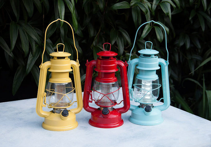 Yellow , red, blue Led Battery Powered Hurricane Lamp par Dotcomgiftshop Éclectique