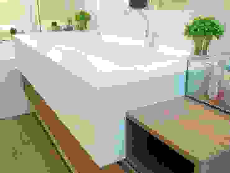 Interior Residência Banheiros modernos por Kubbo Arquitetos Moderno