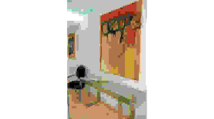 Entrada: Vestíbulos, pasillos y escaleras de estilo  de Gramil Interiorismo II - Decoradores y diseñadores de interiores ,