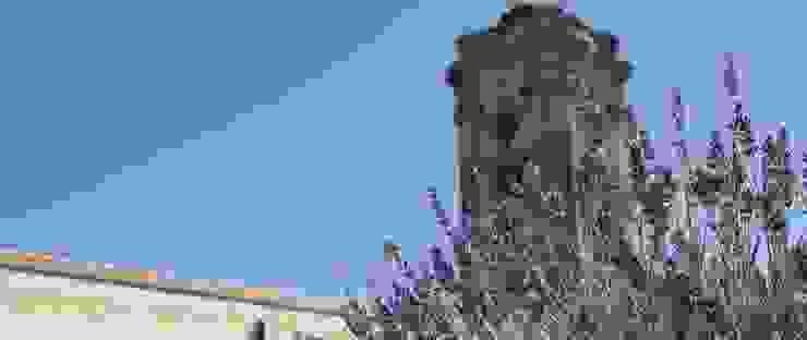 Giardino d'interno Giardino in stile mediterraneo di otragiardini Mediterraneo