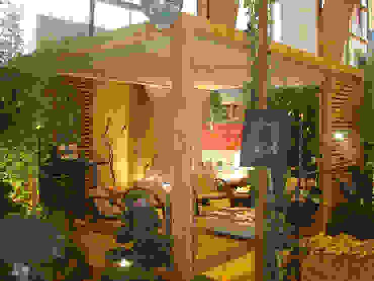 Pergola bioclimatique OUTSUN Jardin moderne par homify Moderne
