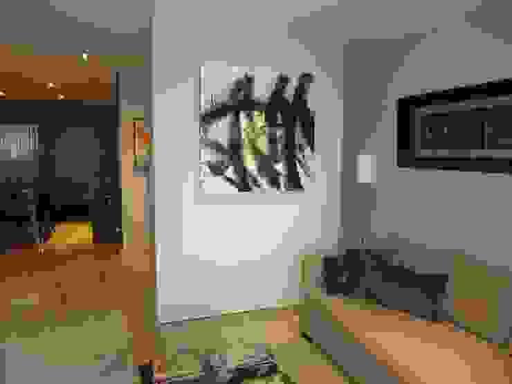 Moderne Wohnzimmer von Empresa constructora en Madrid Modern