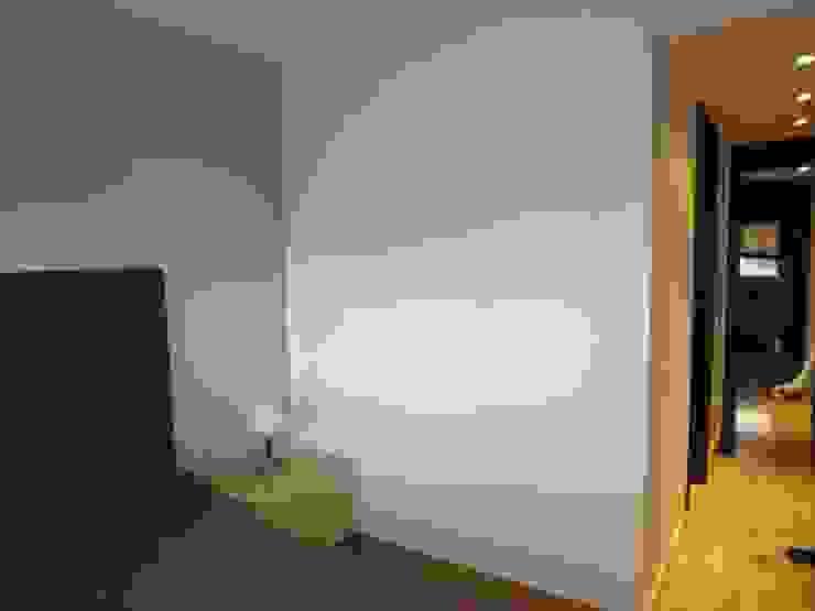 Estado anterior a la reforma. Piso en La Moraleja Dormitorios de estilo clásico de Empresa constructora en Madrid Clásico