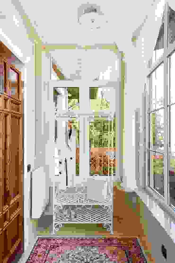 AGRAFFE design Koridor & Tangga Klasik
