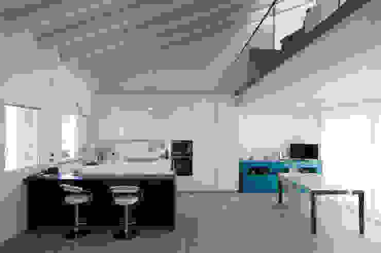 Comedores modernos de Memento Architects Moderno