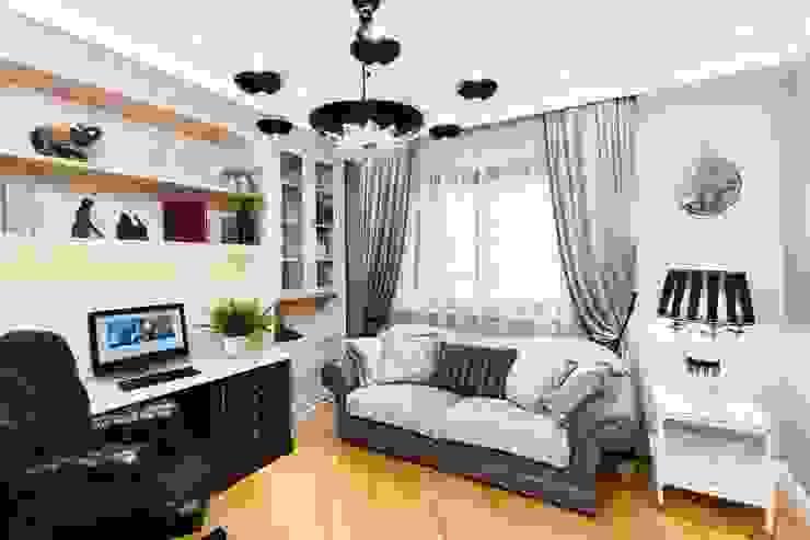 Ruang Studi/Kantor Klasik Oleh AGRAFFE design Klasik