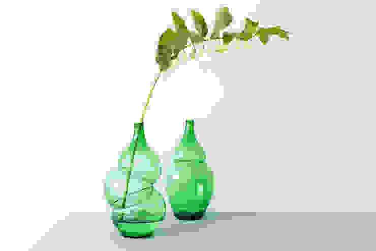 Bottles and Vases van Klaas Kuiken Industrieel