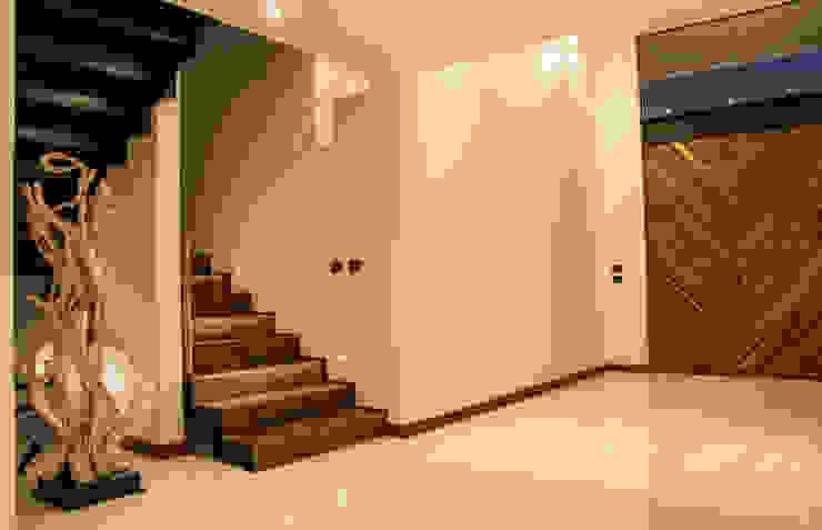 Casa J&J Pasillos, vestíbulos y escaleras modernos de [TT ARQUITECTOS] Moderno