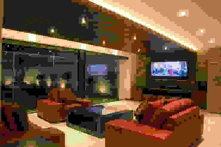 Casa J&J Salas multimedia modernas de [TT ARQUITECTOS] Moderno