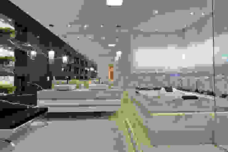 Baños modernos de Arquiteto Aquiles Nícolas Kílaris Moderno